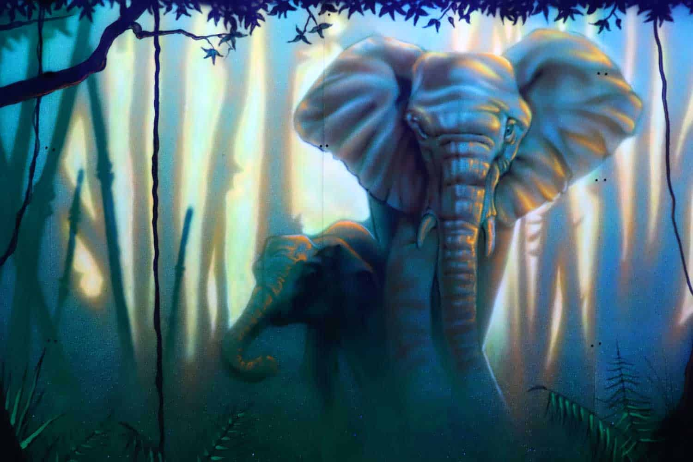 mini-golf-elephant
